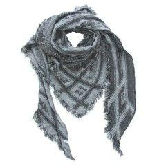 Tif-Tiffy triangle shawl Cait black