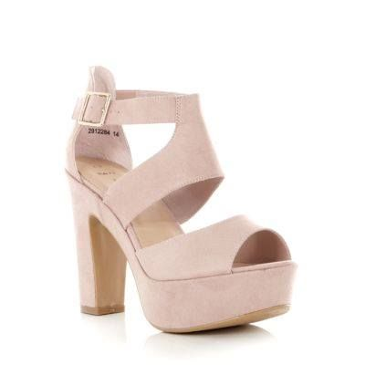 light pink chunky heels great for a summer night out ! | best