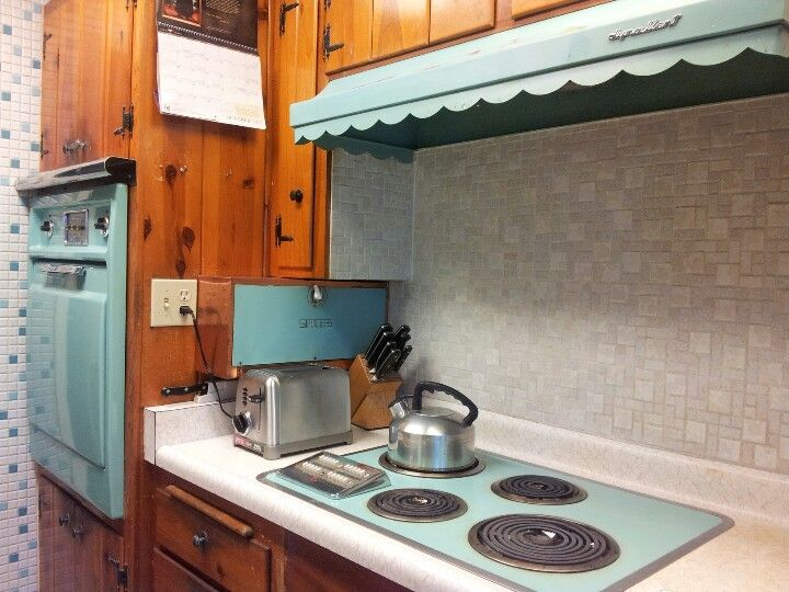 My Aunt S 52 Yr Old All Electric Kitchen Complete With