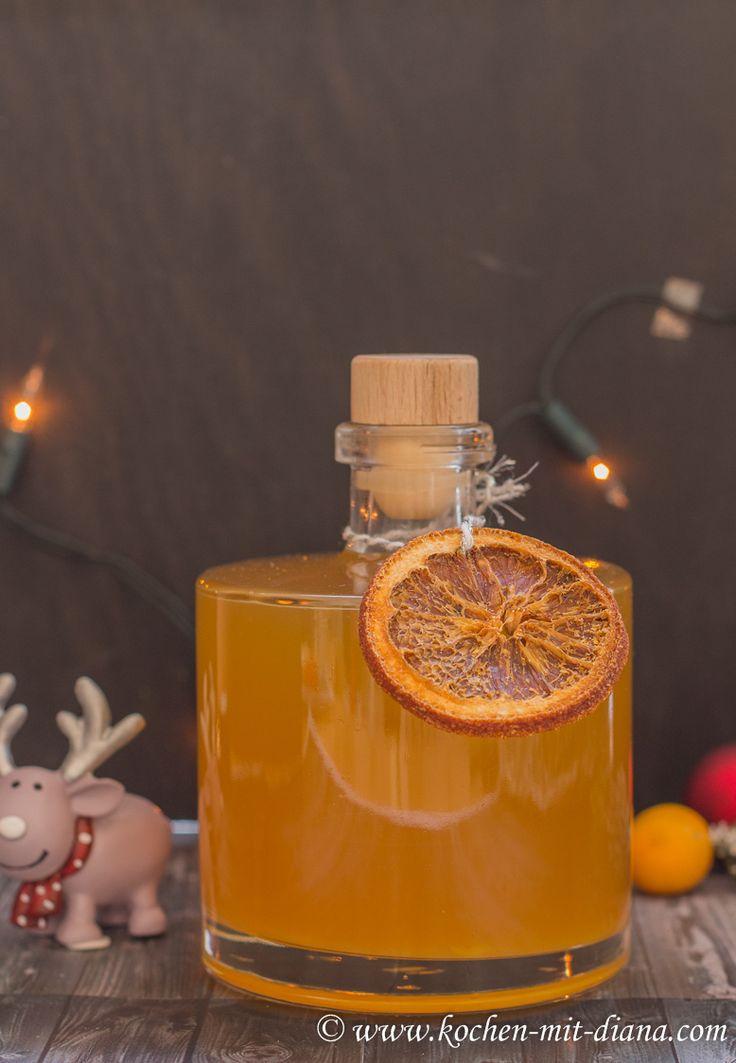 Ich wollte schon länger Orangenlikör selber machen, habe es immer wieder vor mir verschoben, da ich kein erprobtes Rezept hatte. Versteh...