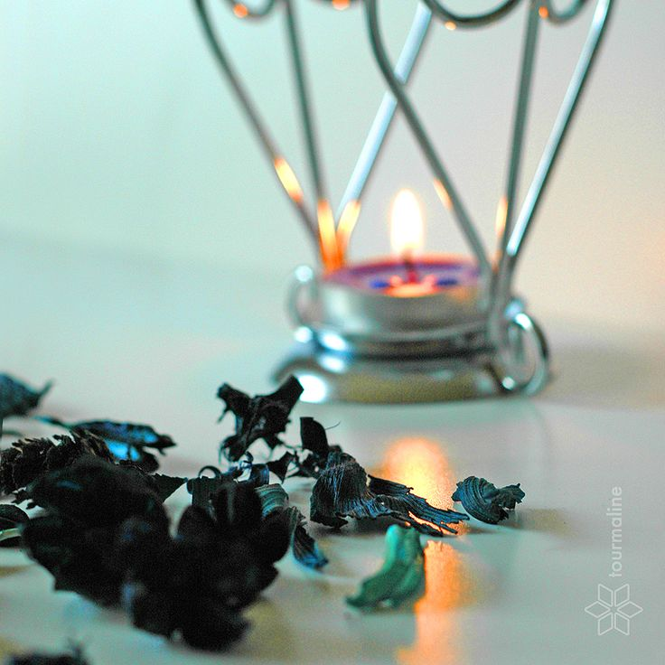#relax #spa #tourmalinepro #free_Image #candle #dry_leaves #dry_petals #blue #turquoise #reflection #fire #flame #light #aromatic_oil #candlestick #aphrodisiac