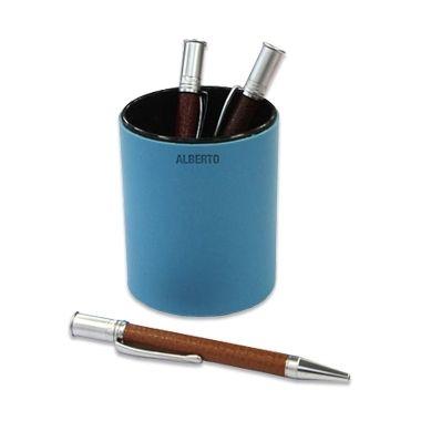 Pot à crayons personnalisé. Marquer vos initiales ou votre prénom sur le pot.