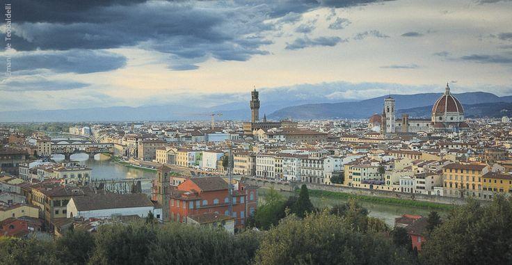 Veduta dal Piazzale Michelangelo su Firenze