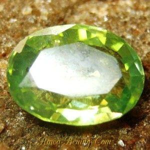 Gambar Batu Mulia Yellowish Green Zircon 1.73 carat