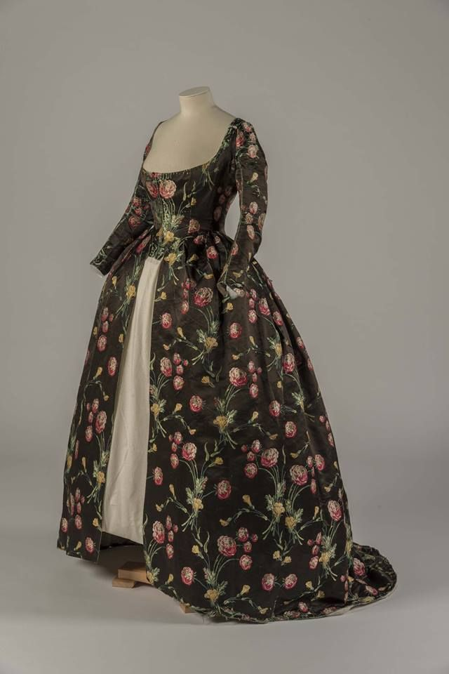 Dress ca. 1748, altered ca. 1780  From the Fashion Museum, Bath on Twitter