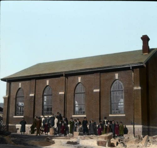 Brick church, Seoul, [s.d.]. http://digitallibrary.usc.edu/cdm/ref/collection/p15799coll48/id/698