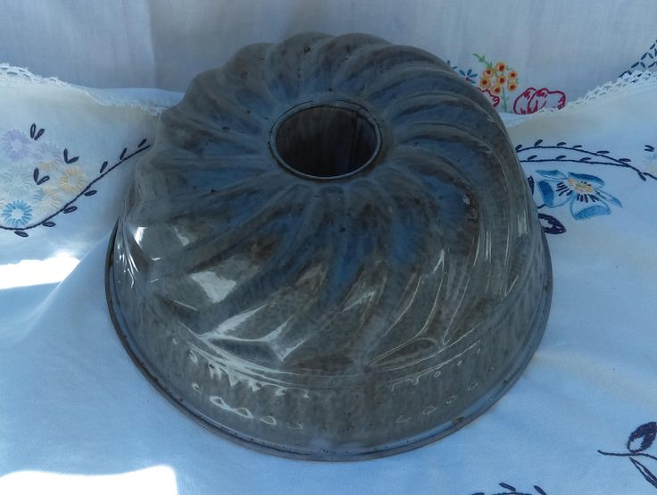 Vintage Gray Graniteware Enamelware Jelly or Cake Mould w/Swirl and Band Design by TheCelticBelle on Etsy