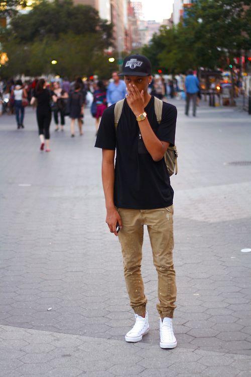 Relógio Dourado, Relógio Masculino. Macho Moda - Blog de Moda Masculina: Relógio Dourado, Dicas para Usar e Onde Encontrar! Moda Masculina, Moda para Homens, Roupa de Homem, Acessórios Masculinos, Boné, Calça Jogger Marrom, Tênis Branco
