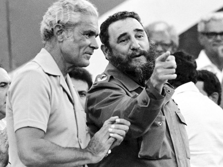 best fidel castro euphoria images fidel castro  michael manley and fidel castro in