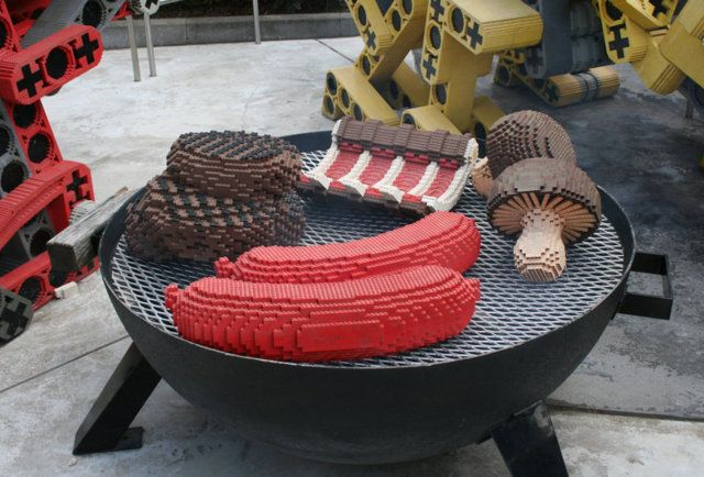 Lego BBQ-From pizza to pie, the most delicious (-looking) Lego food creations ever