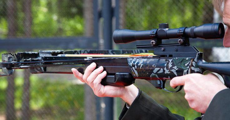 Como colocar uma mira laser em um arco. Bestas de caça são uma alternativa para rifles e espingardas. Usando o mesmo princípio do tradicional arco e flecha, uma besta parece com um este modelo tradicional, mas virado de lado. Os tipos mais modernos são feitos de materiais leves de polímero e possuem um suporte de pistola e gatilho, muito parecido com uma arma de fogo. Quando o gatilho é ...
