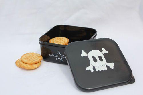 Black Skull Square Container