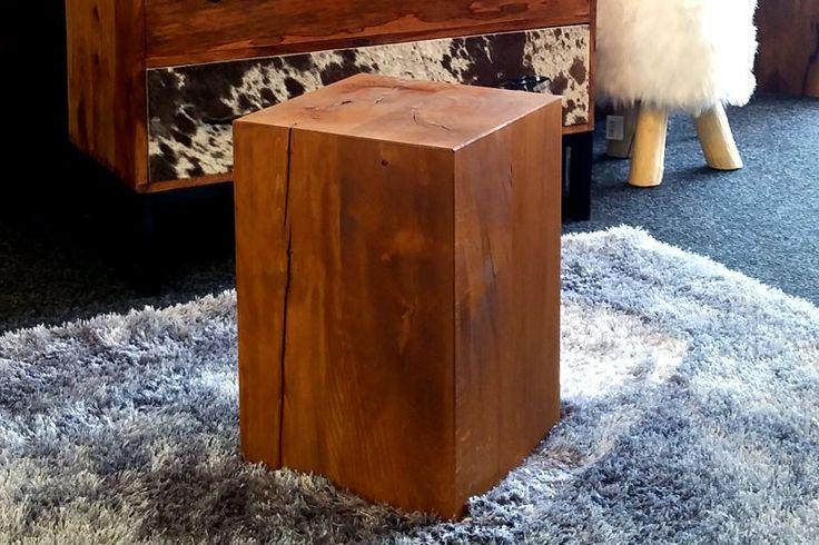 Sgabelli e Tronchi in legno : Tronco Ulisse: tronco squadrato in legno di…