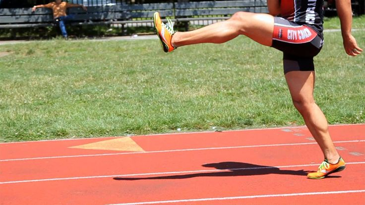 Watch more How to Sprint videos: http://www.howcast.com/videos/512986-Sprinter-Acceleration-Drills-Sprinting Learn 3-speed training drills from sprinting coa...