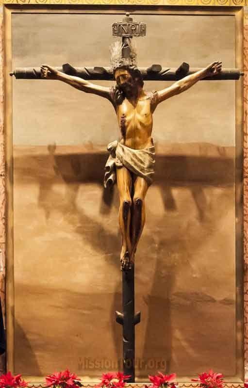 IL Crocifisso nella Chiesa della Mission San Buenaventura nelle Filippine .
