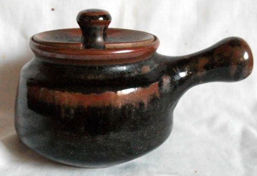 Aylesford-studio-Pottery-Covered-Bowl