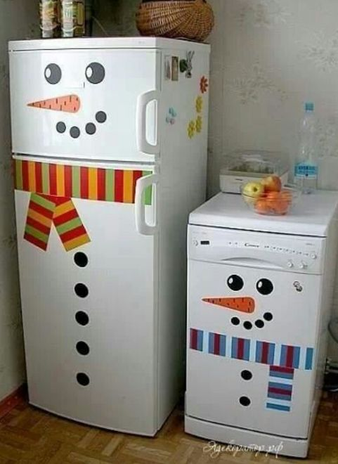 snowman fridge…too bad our fridge is not white, but it might work for our door! Link is broken, but it's a great idea!