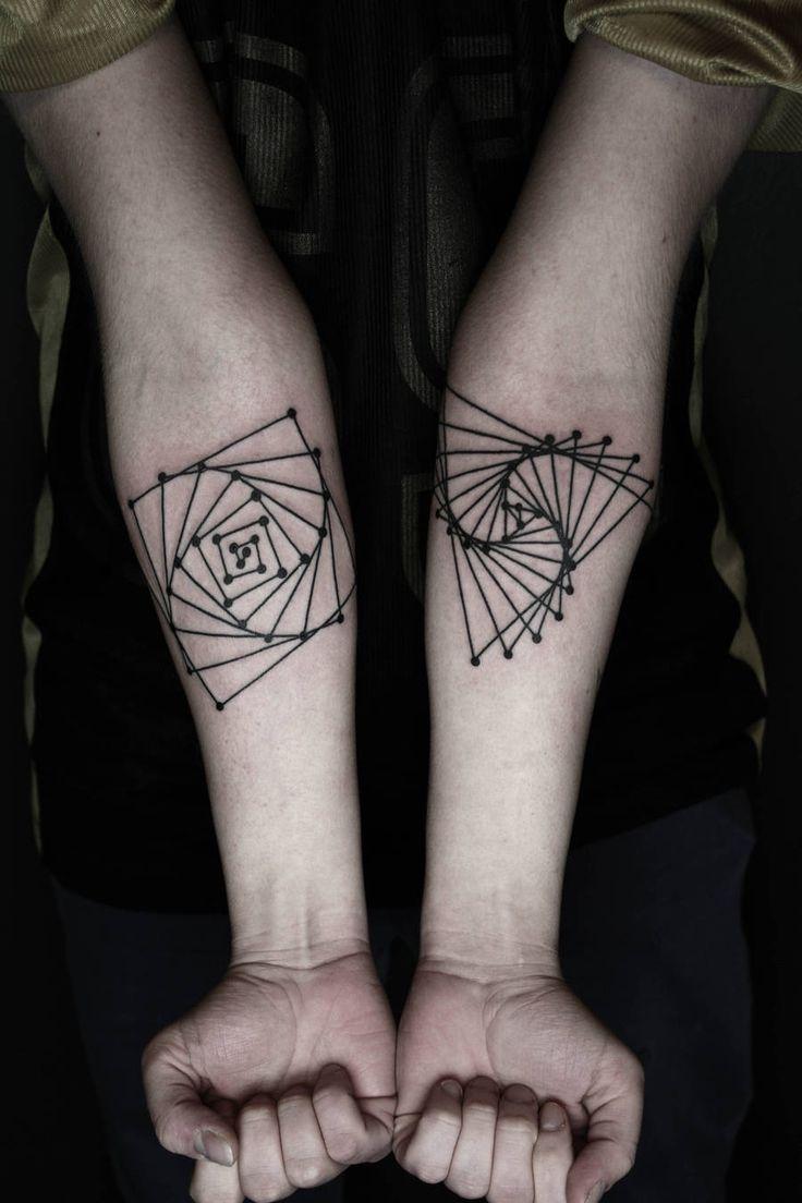 Tatuagens misturam elementos e formas geométricas | The Hype BR