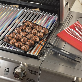 Cuisinart Meatball Grilling Basket CNMB-444  Grill, flip and serve 20 meatballs at once with this nonstick grilling basket.Grilled Baskets, Kitchens Products, Cuisinart Meatballs, Chefs Stuff, Grilled Meatballs, Nonstick Grilled, Meatballs Grilled, Cnmb 444 Grilled, Baskets Cnmb 444