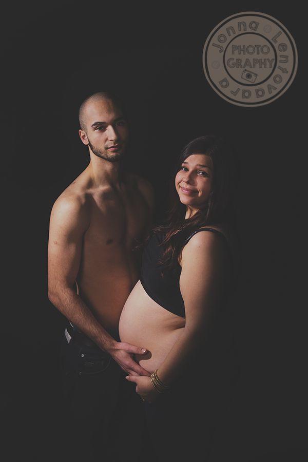 Ikuistetaan Tunne, Odotusajankuvaus ♥  #perhekuvaus #studiokuvaus #ikuistetaantunne #studiophotography #valokuvaajasuomi  #mothernity #mothernity_photo #pregnant  www.ikuistetaantunne.blogspot.fi