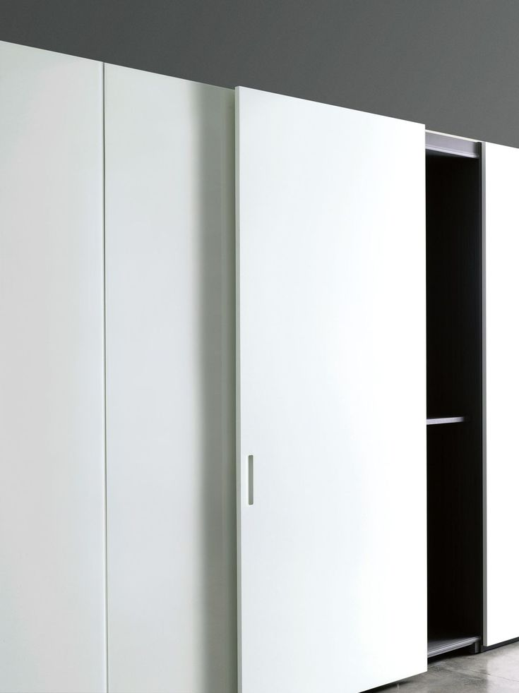 Minimal closet systems with integrated handles, Complanare by Porro _
