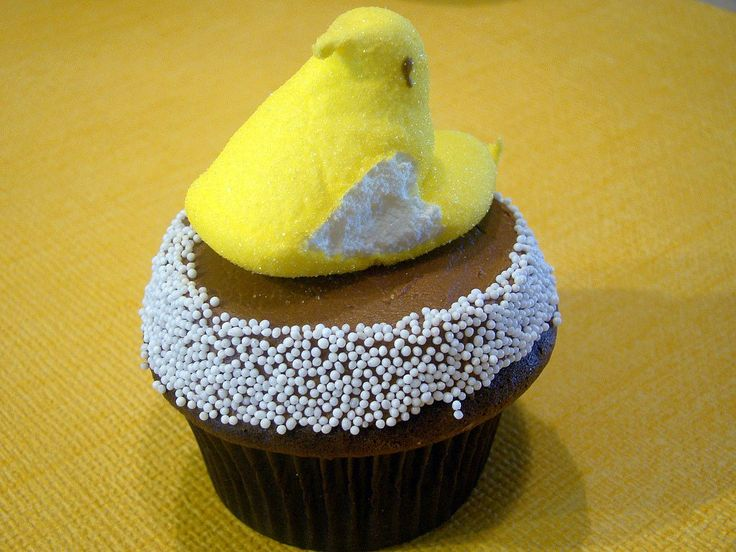 Peeps Cupcakes With A Candy Bar Surprise