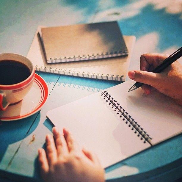 Scrivere romanzi significa prendersi cura degli altri. Se io ci tengo veramente a te, se voglio avere una relazione con te, ti racconto storie. -Jonathan Safran Foer #frasi #citazioni #buongiorno #buongiornomondo #scrittori #vitadascrittori #caffè #coffe