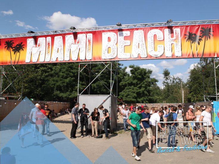 Hekwerk banners - bamboe @ Summerfestival