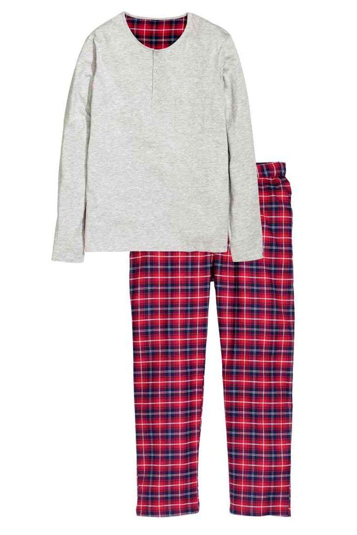 No hay navidad sin pijamas de cuadros rojos...Pijama de hombre dos piezas | H&M - 29,90€