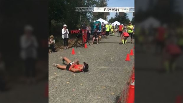 """An American runner struggling to push her way through a marathon gave new meaning to the phrase """"keep it rolling,"""" after she collapsed in the final metres of the race.  The exhausted runner, Devon Bieling, had to roll over the finish line at the Tunnel Vision Marathon in Washington State,... - #Determined, #Finish, #Line, #Marathon, #Rolls, #Runner, #TopStories"""