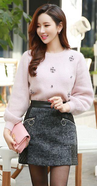 StyleOnme_Zipper Pocket Leather Detail Mini Skort #grey #leather #chic #zipper #mini #skirt #pants #koreanfashion #girly #feminine #kstyle #falltrend #dailylook #kfashion #seoul