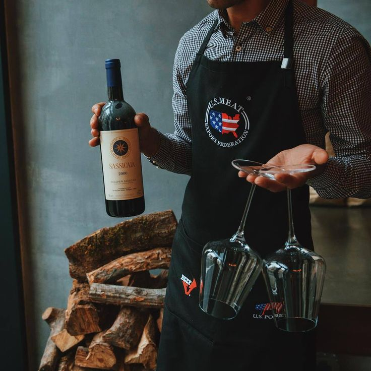 Our sommeliers are at your disposal #meat #meatbybeat #meatrestaurant #steakhouse #steaks #azerbaijan #baku #restaurants #food #cuisine #beef #veal #cosy #sommeliers #wines