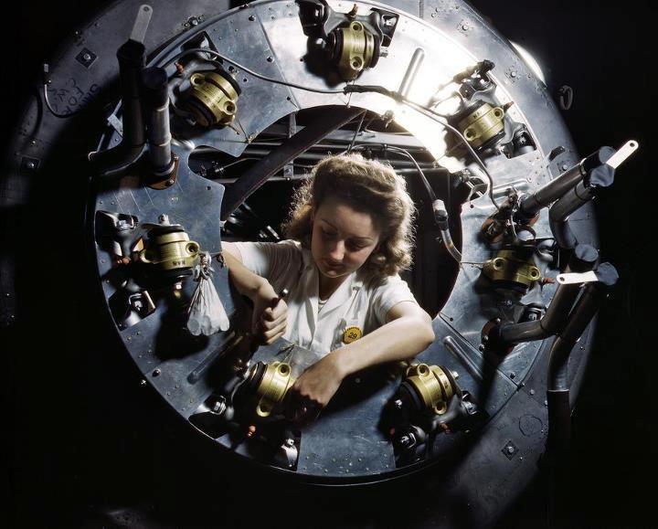 Shorpy Historical Photo Archive :: Angel of History: 1942 - bomber cowl assembly, North American Aviation, Kansas City, Kansas.