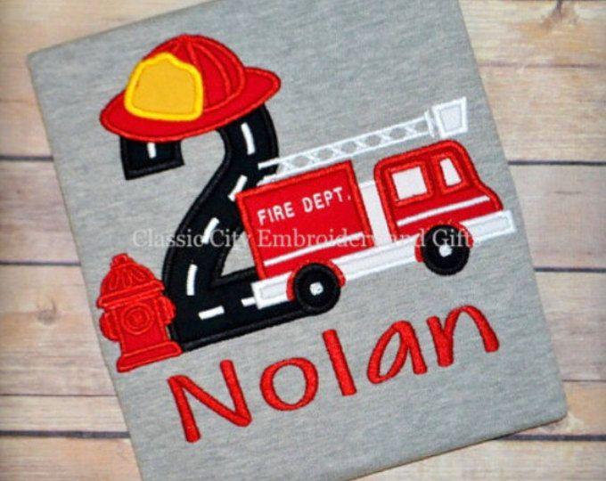 Incendio camión cumpleaños camiseta, camisa del cumpleaños del muchacho, fuego parte del carro, primer cumpleaños, segundo cumpleaños, tercer cumpleaños, cuarto cumpleaños, quinto