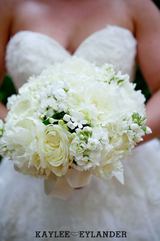 Twin Willows Gardens Wedding   Flowers by Tiffany   Laineemeg Bridal   Kaylee Eylander Photography