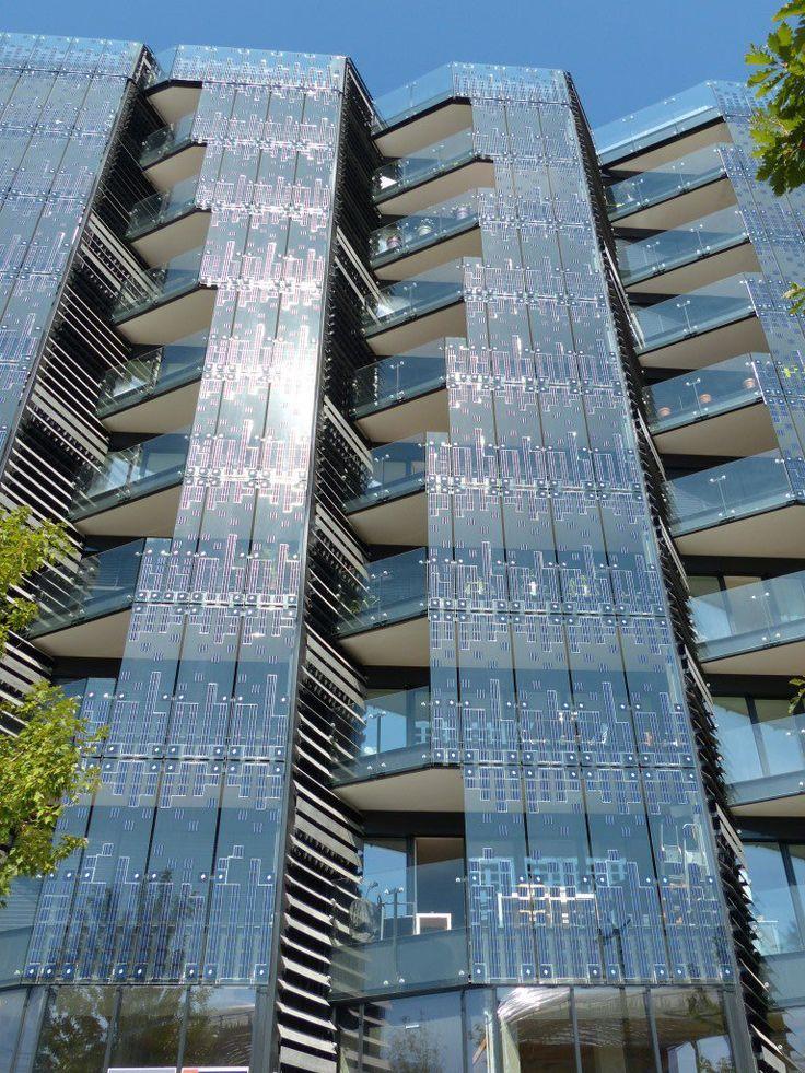 Immeuble hikari batiment bepos fa ade verre for Architecture des batiments