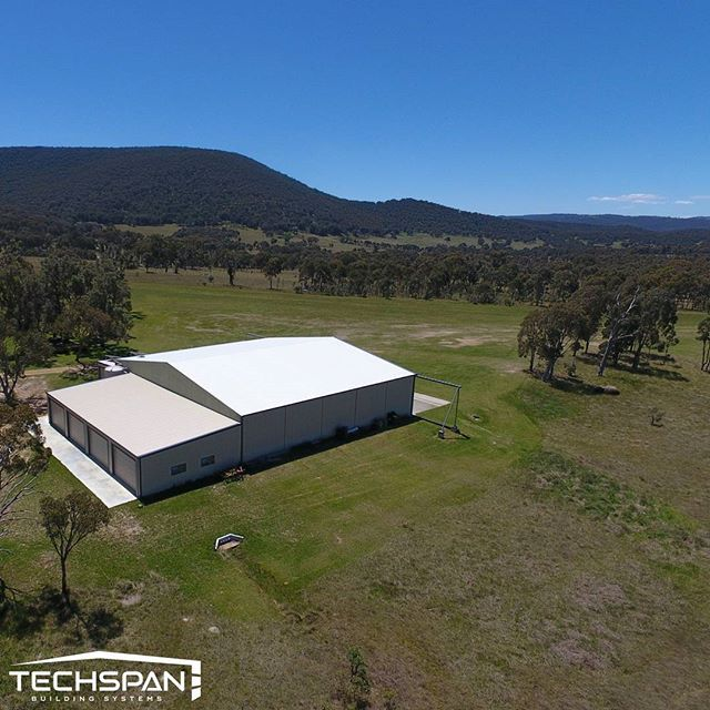 Some extra additions we added to a hangar just out of Armidale NSW. Loving Mt Duval in the background #techspanbuildings #nsw #farmlife #rural #armidale #mtduval #countrylife #countryliving #hangar #renegade_rural #aircraft #country_features #rural_love