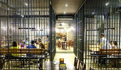 PERGIPEDIA  - Resto Bong Kopitown Jogja, Restoran Unik Ala Penjara . Saat memasuki Bong Kopitown,...