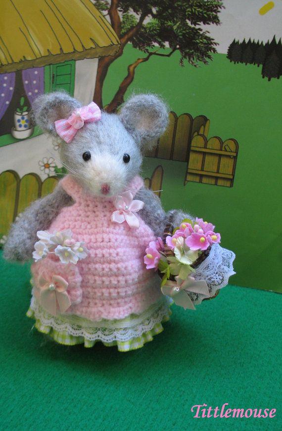 Tittlemouse     Handmade lady mouse by dollsandbunnies on Etsy, $42.00