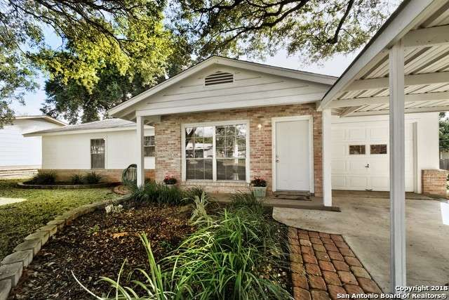 Single Family Detached San Antonio Tx Location Location This Cozy Clean Freshly Painted 3 1 Is Move In Ready Sale House Land For Sale Renting A House