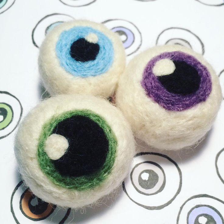 Needle Felt Eye Bau-ball