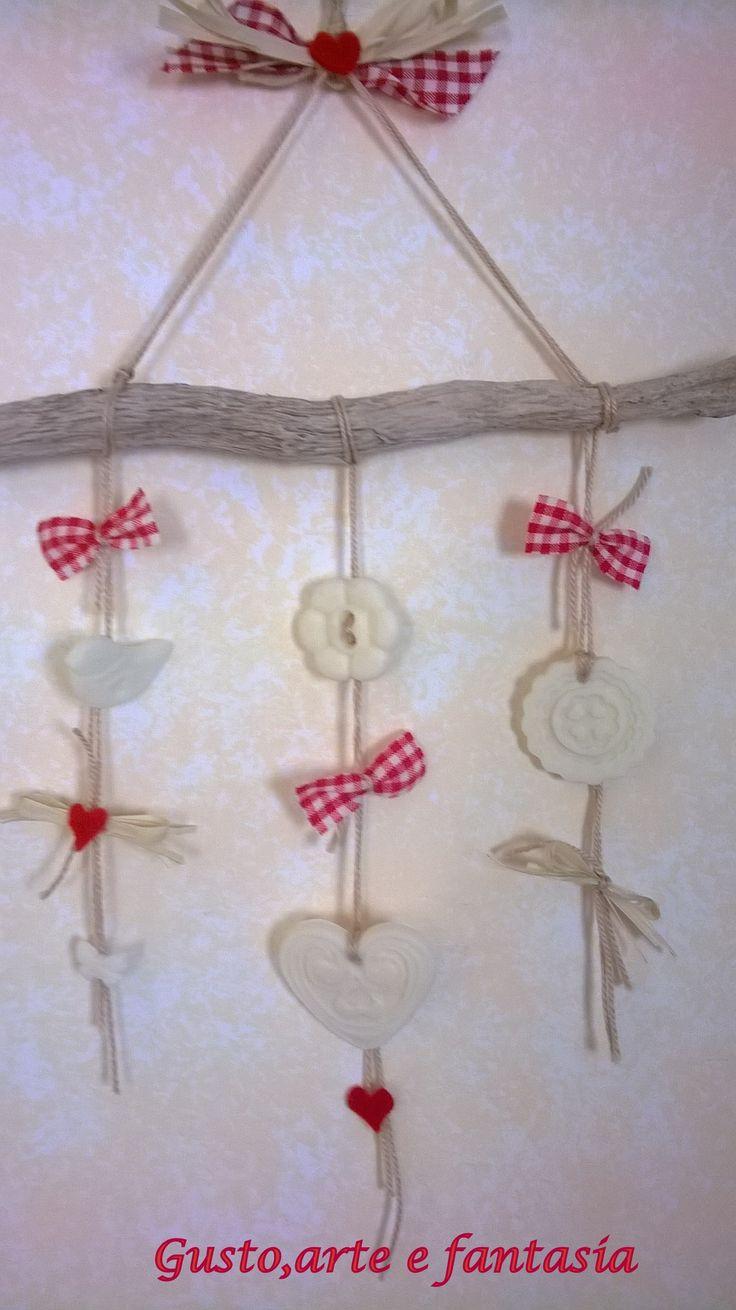 legnetto di fiume decorato con pasta di mais https://www.facebook.com/gustoarteefantasia?ref=hl