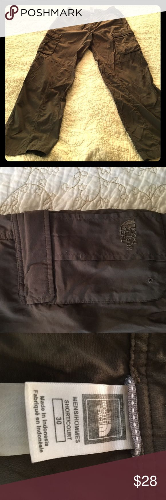 Northface pants men The Northface Cargo pants for men, inseam 29 inches, 2 back pockets, 2 leg pockets, olive green The North Face Pants Cargo