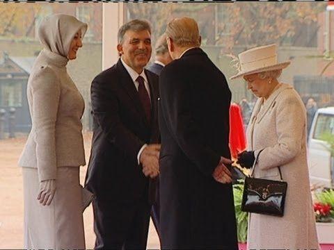 The Queen's look of horror at Turkish first lady's footwear                     sonradan gorme....madden manen bir hicken zamanla madden tavana vurup manen mal kalmis sürüngenler!
