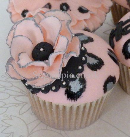 Leopard Print Glamour cupcakes  Um...I'm starting to rethink Sara's Princess themed 1st birthday. LOL