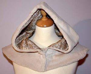 Free Pattern Draft: Fur Hood | pokroyka.ru-cutting and sewing lessons. http://pokroyka.ru/vy-krojki-golovny-h-uborov/vyikroyka-kapyushona-iz-meha-s-koketkoy/