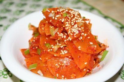 ダンムジムチム(단무지무침) ーー お弁当のおかずにぴったり!たくあん唐辛子和え物。 | 韓国料理店に負けない韓国家庭料理レシピ「眞味」