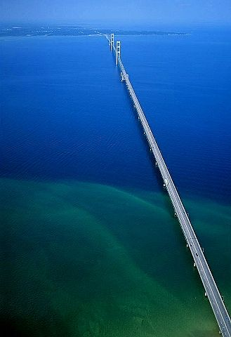 Aerial photo of Straits of Mackinac Bridge, MI: Bridge joining Michigan's Lower and Upper Peninsulas. Mackinaw City to St. Ignace.  Emmet County, Michigan, MI  United States 6/23/1994