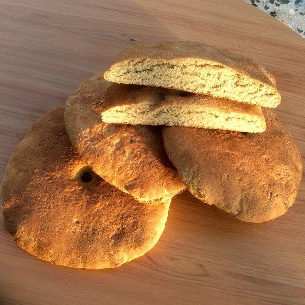 Yulaf Ekmeği %100 tam yulaf unundan SAFEKMEK tarafından üretilmiştir.