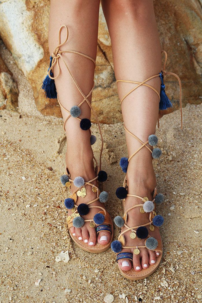 25 best ideas about pom pom sandals on pinterest bohemian shoes bohemian sandals and boho. Black Bedroom Furniture Sets. Home Design Ideas